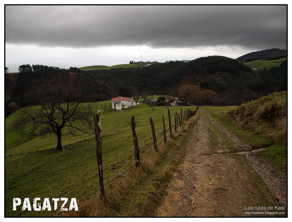 photo DEBA031.jpg